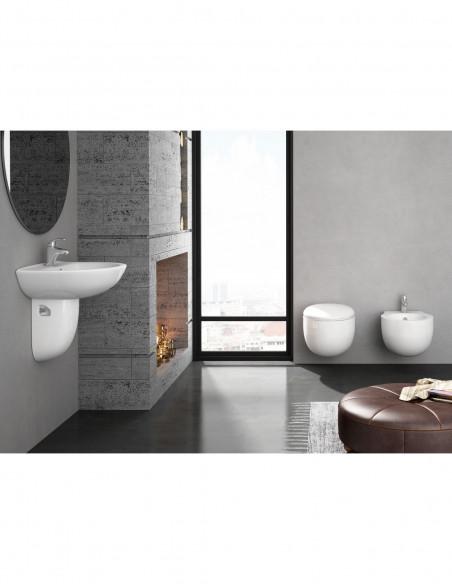 WC suspendu BATA avec reservoir abattant amortisseur duroplast. Drainage murale. Lavabo et Bidet